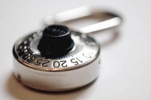 Ochrona informacji niejawnych w systemach teleinformatycznych